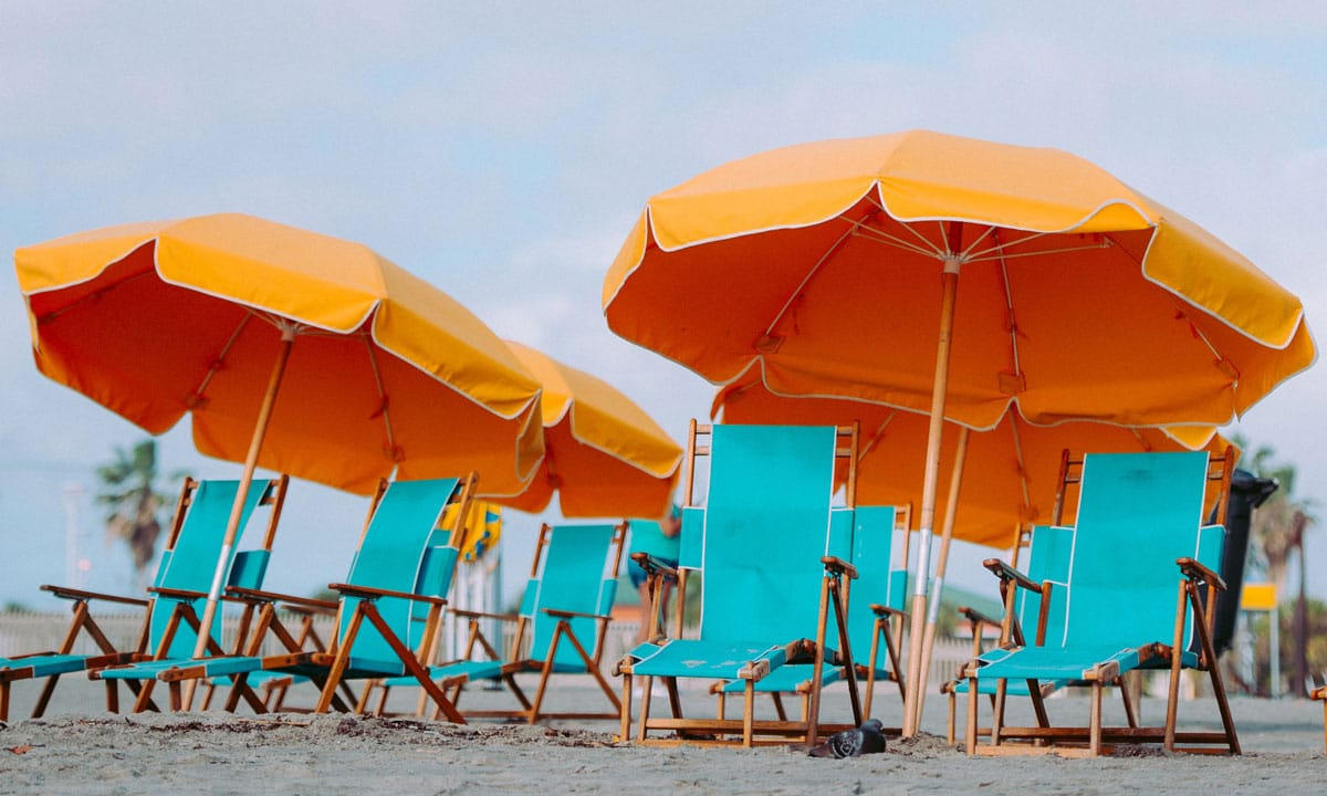 7 Practical Snack Hacks For The Ultimate Beach Day