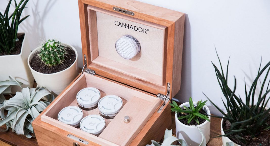 Smartphone-Enabled Humidor