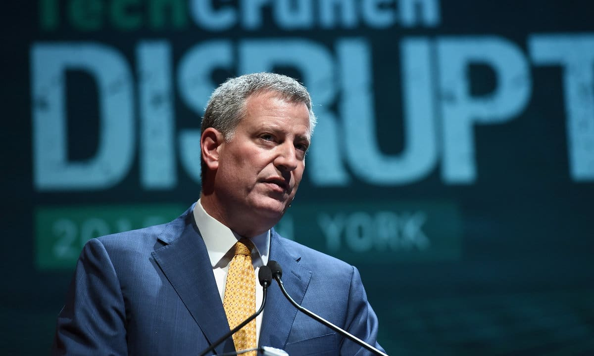 De Blasio secures Democratic nomination in mayor's race