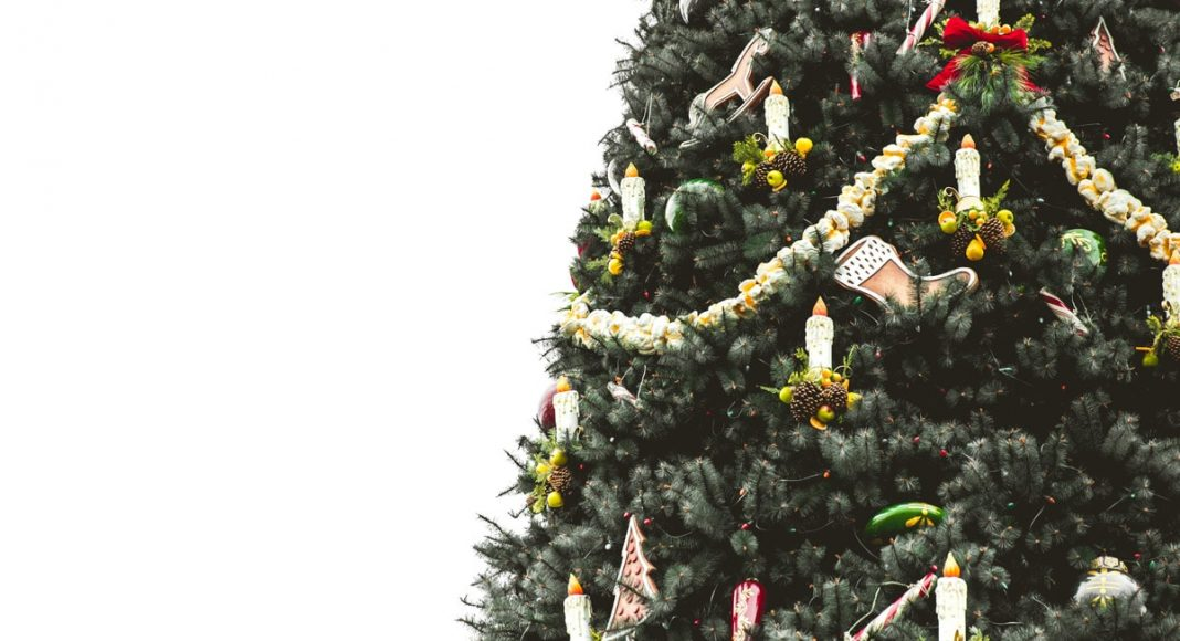 how upside down christmas trees became this years holiday trend