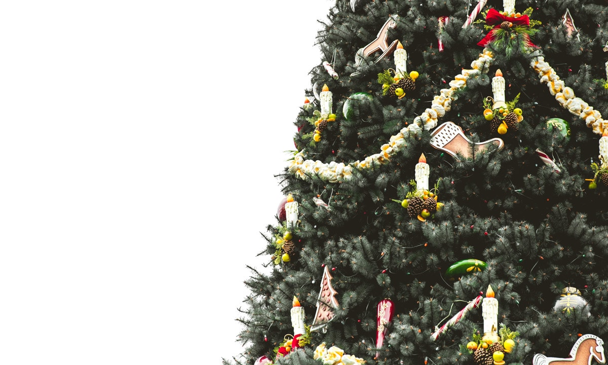 How Upside-Down Christmas Trees Became This Year\'s Holiday Trend