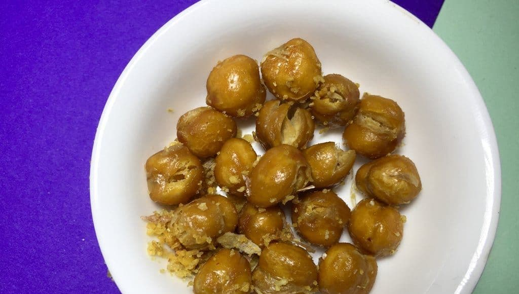 DIY Roasted Cannabis Chickpeas For a Cheap Medicated Snack