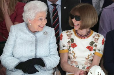 Watch Anna Wintour Shade The Queen Of England At NYFW