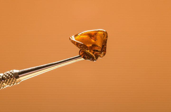 Marijuana 101: Dabbing Wax Vs. Vaping Wax