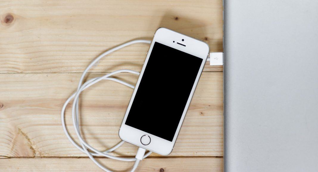 Tech Duh: Cheap Chargers And Cords Will Ruin Your iPhone