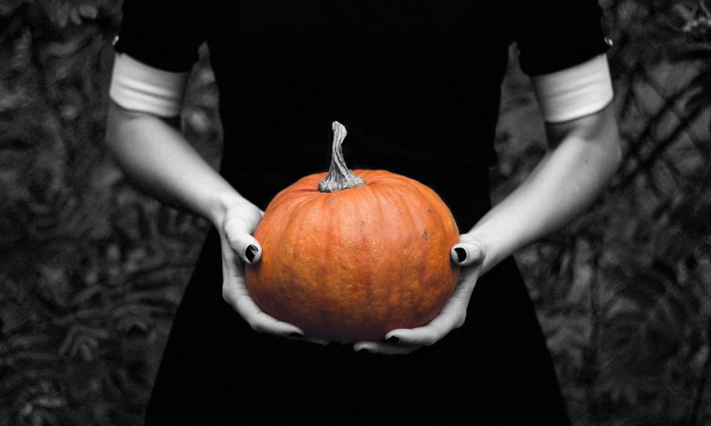 5 surprising movies americans watch on halloween