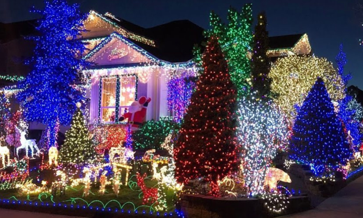 VOTE: Which Of These Christmas Light Displays Is Your Fave? - The ...