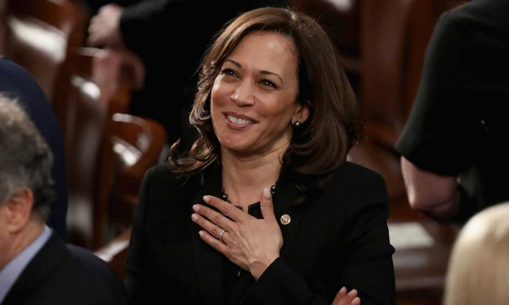 kamala harris snoop dogg lie is the dumbest political controversy of 2019