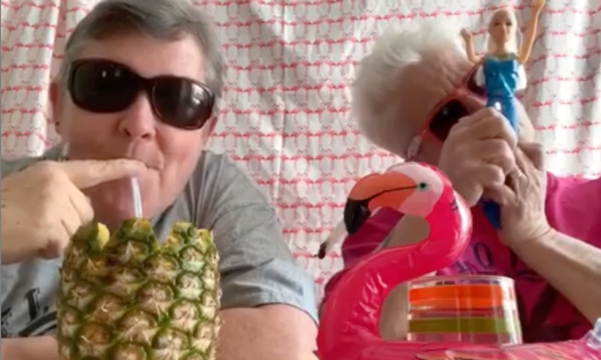 Let These 'Old Fat Lesbians' Teach You How To Smoke Weed
