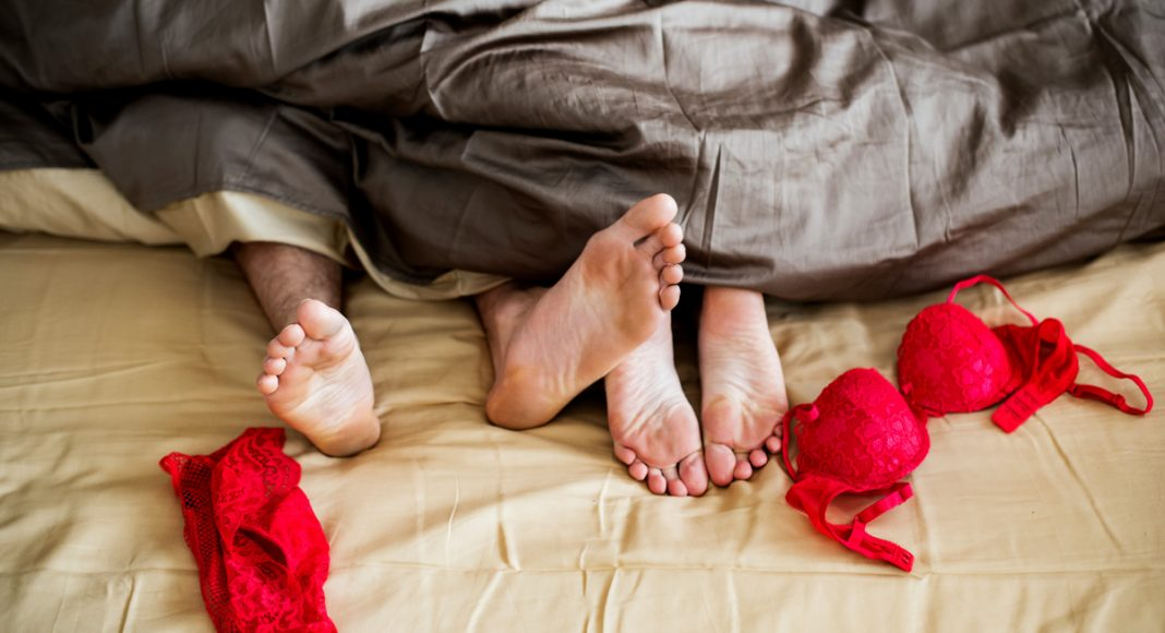 5 tips for having sex while high