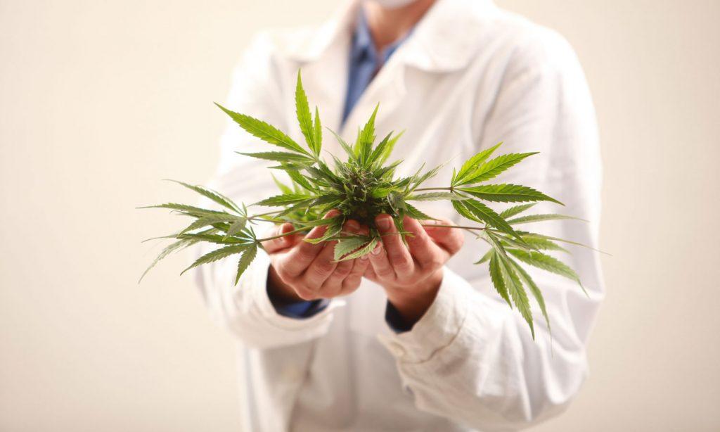 5 ways medical marijuana can help you deal with pain
