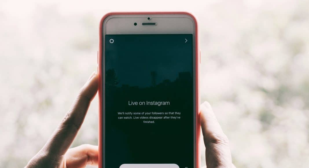 Influencers Charge Fee To Followers Wanting To Be On Their Instagram 'Close Friends'