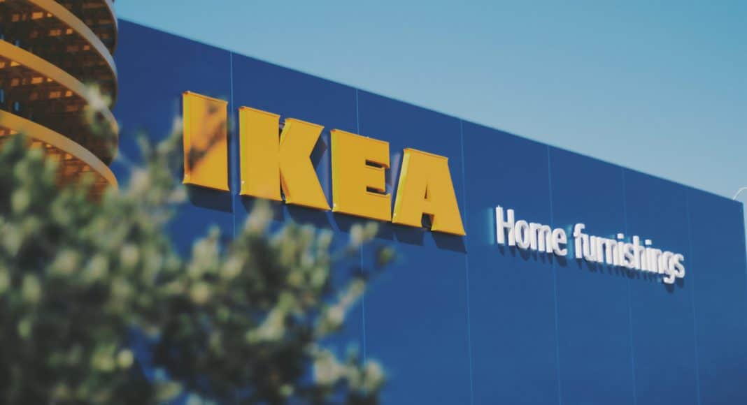 police shut down 3000 person game of hide and seek at ikea