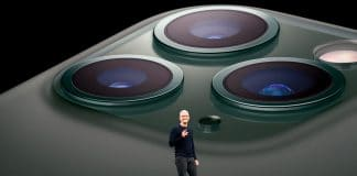 the new iphone is triggering peoples fear of small holes