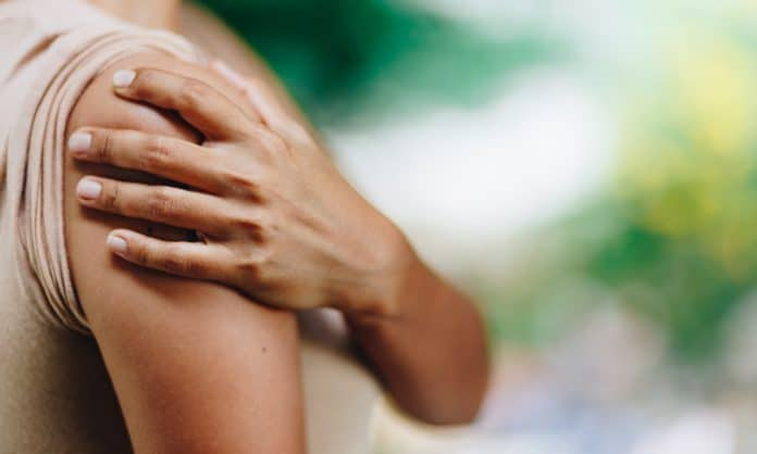 Here's What You Need To Know About Treating Joint Pain With Cannabis