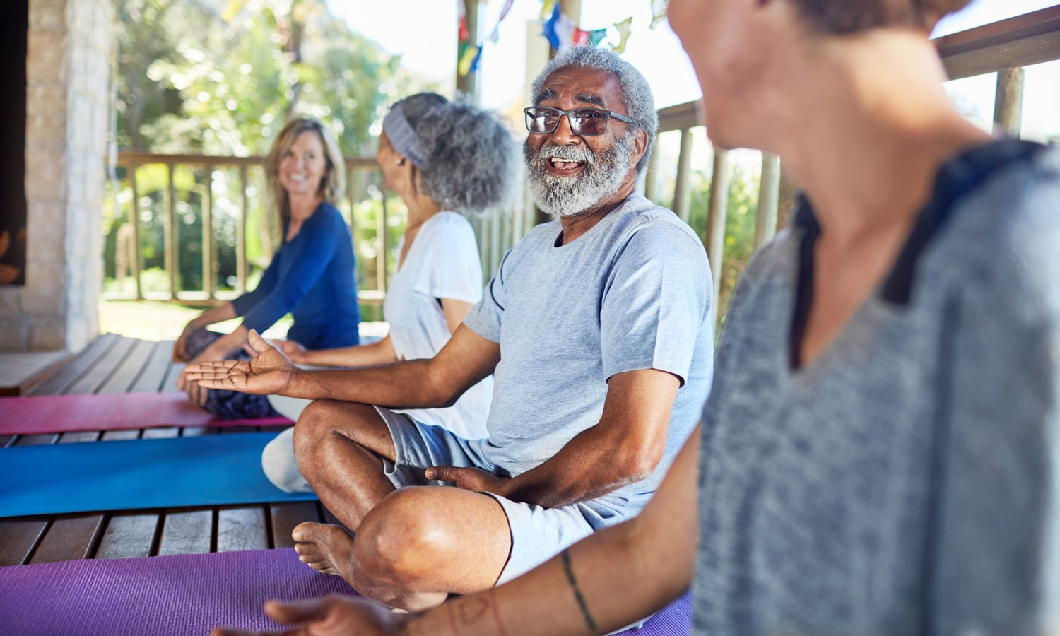 How CBD Helps Seniors Exercise