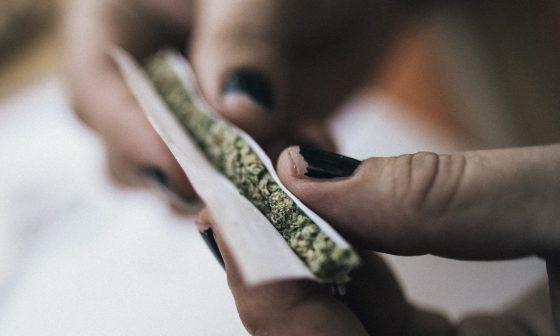 3 Popular Ways To Consume Marijuana Flower