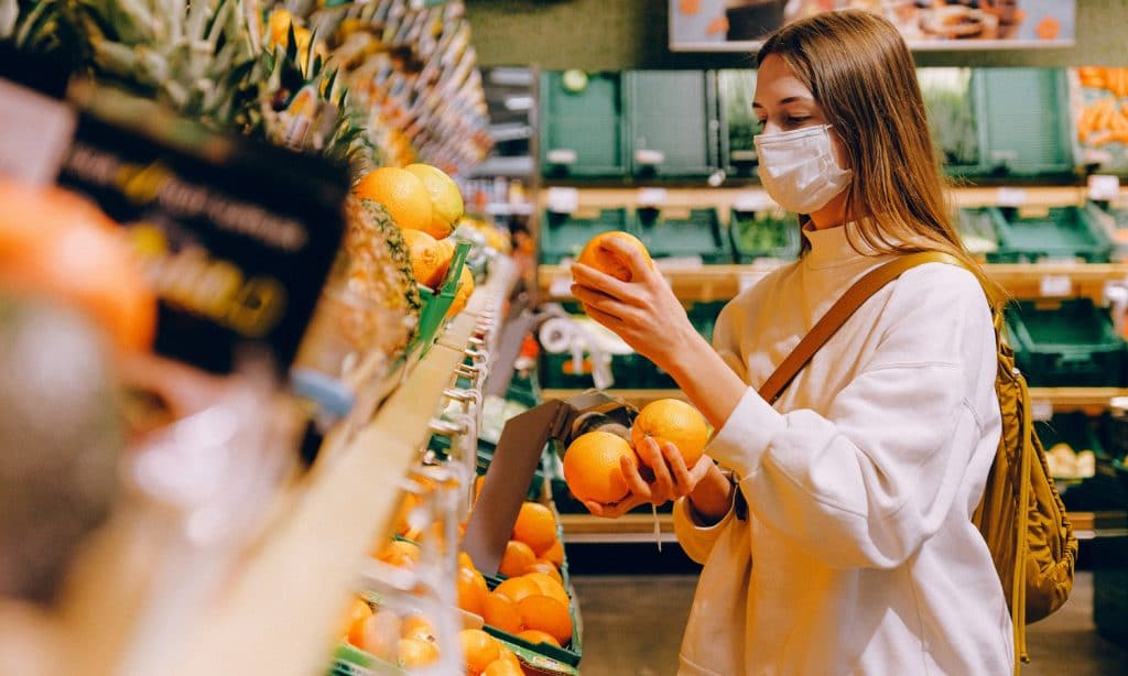 Myths about grocery shopping during coronavirus