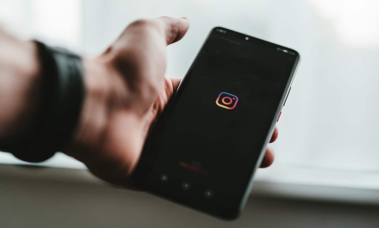 5 Mental Health Instagram Accounts You Should Follow