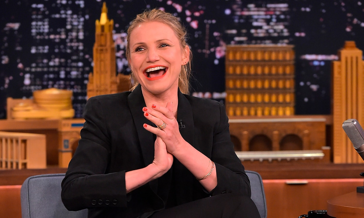 Does Cameron Diaz Smoke Weed?