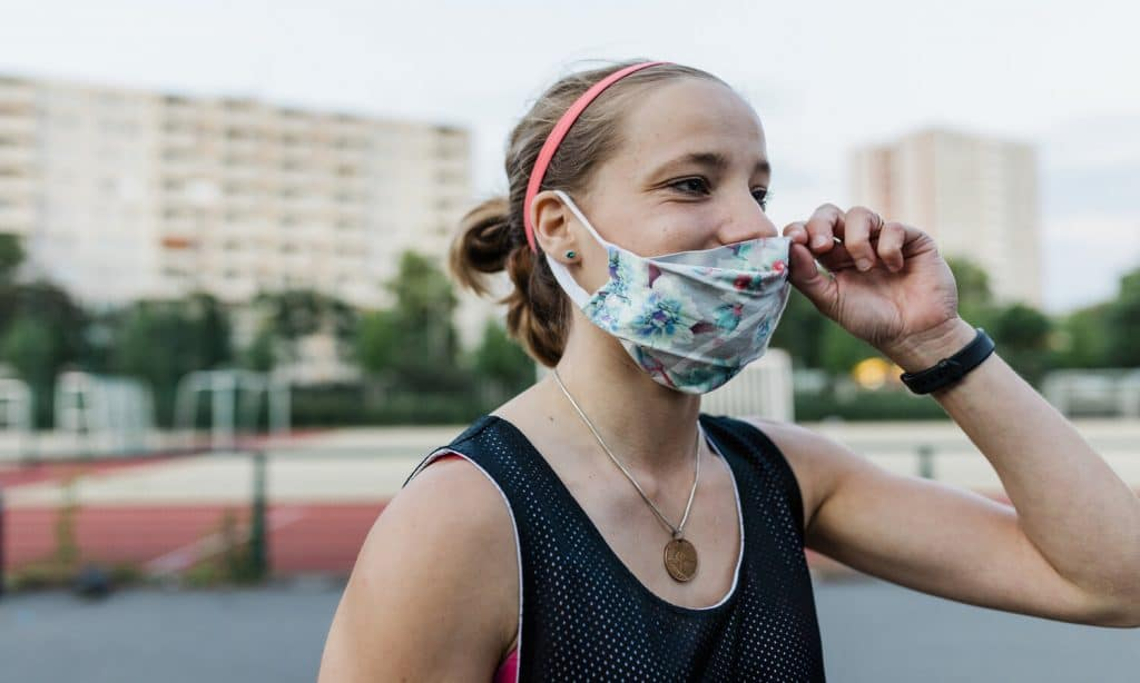 5 Tips to Help You Exercise with a Facial Mask