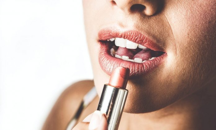 5 Ways To Keep Your Lips Happy This Winter