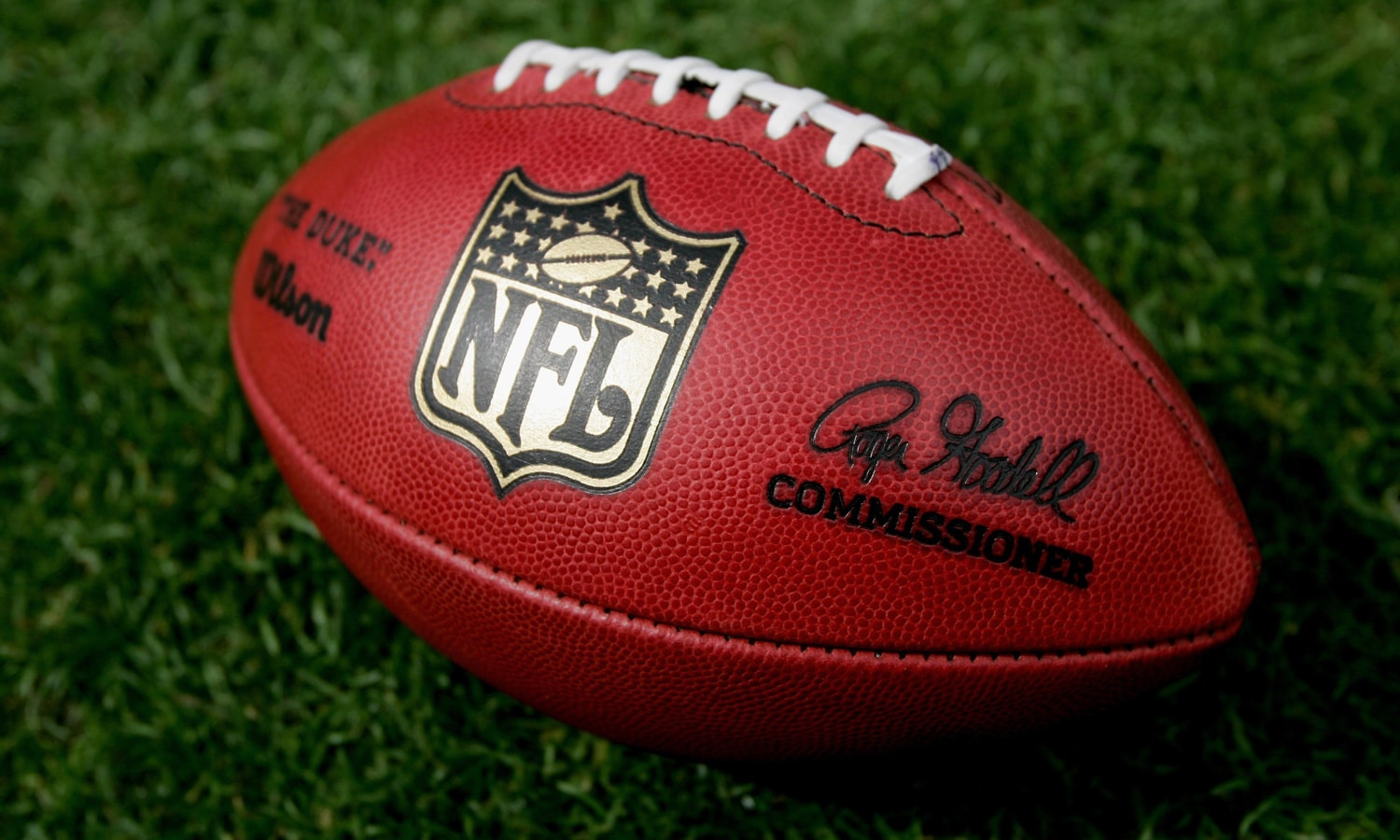 NFL To Consider Allowing Players To Use CBD next season