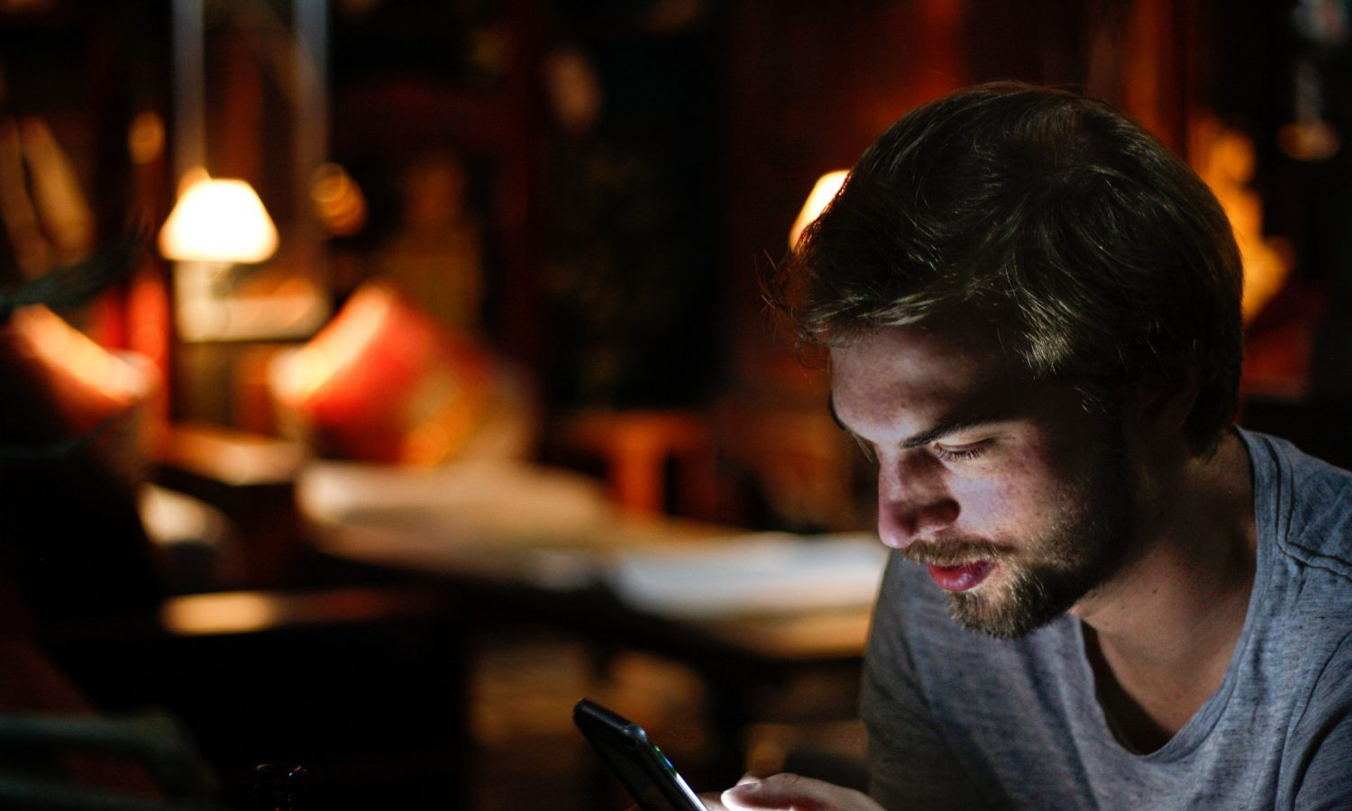 There Are Psychological Benefits Of Texting Vs Talking, Even With People You Live With