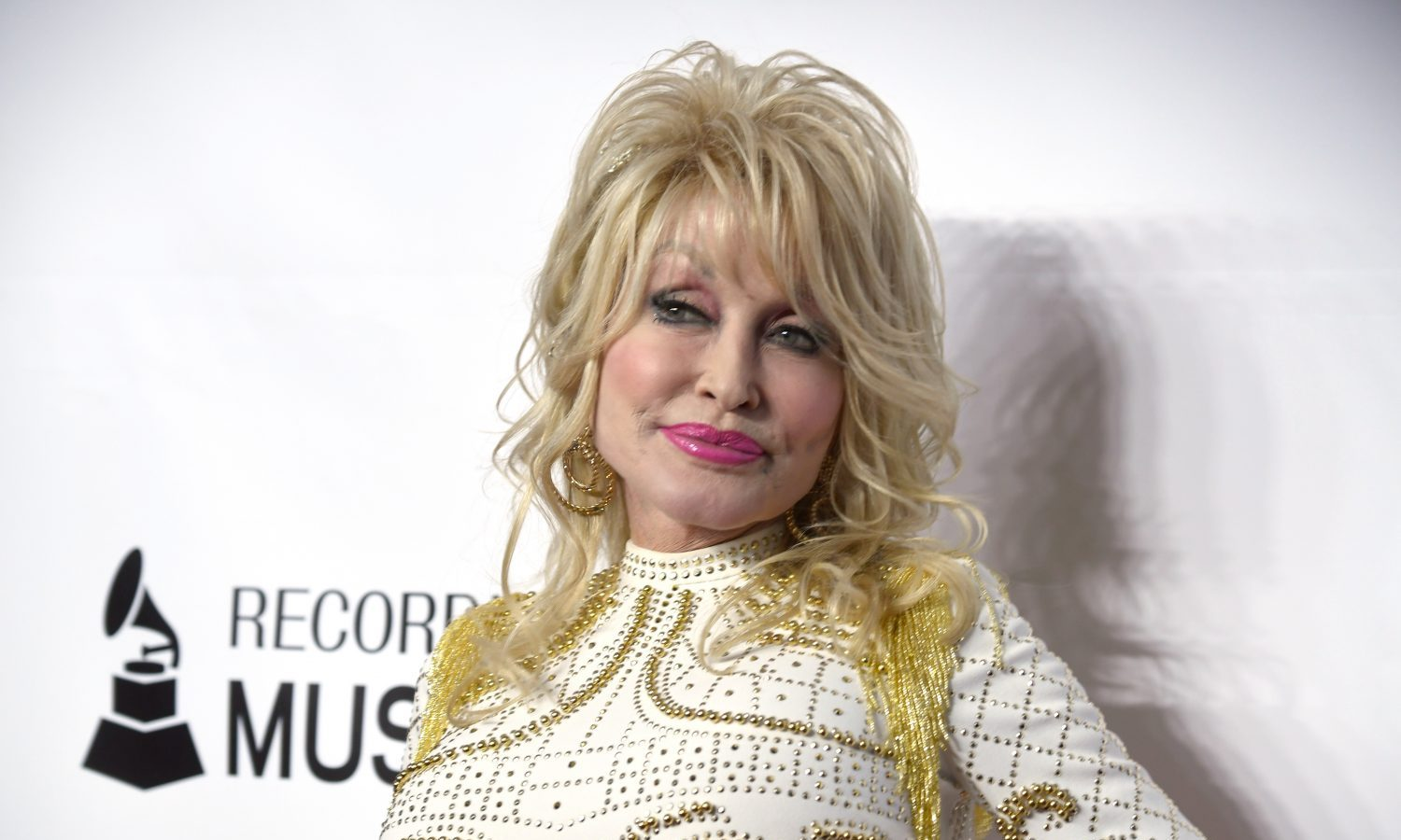 Dolly Parton Gets COVID-19 Vaccine & The Internet Is Relieved