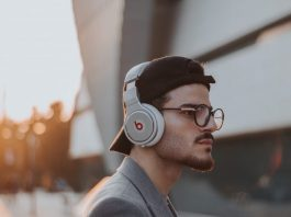 5 Best Apps To Find Audiobooks