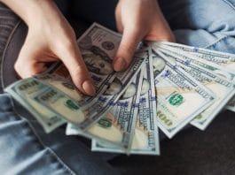 5 Reasons Why You Should Splurge On A Good Bong