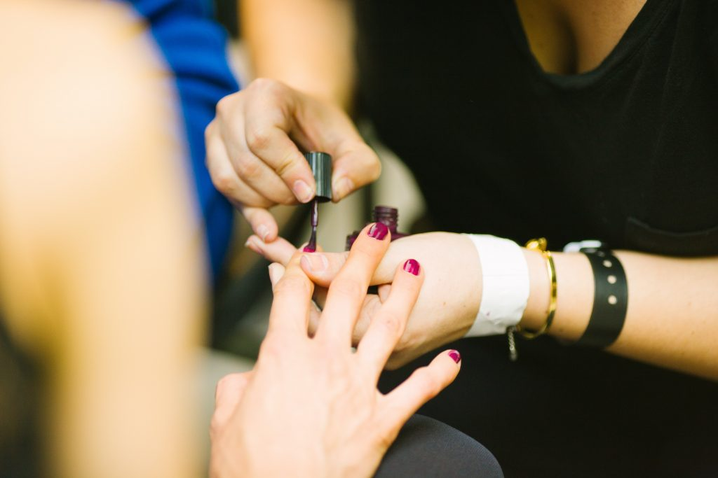 3 ways to stay safe while visiting a salon