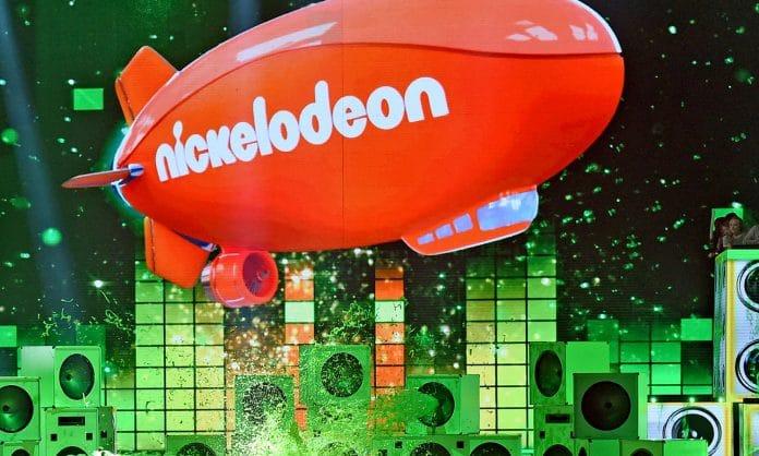 Nickelodeon Tweets That SpongeBob Is LGBTQ & The Internet Flips Out